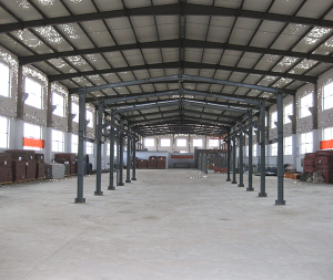 钢结构工厂内部